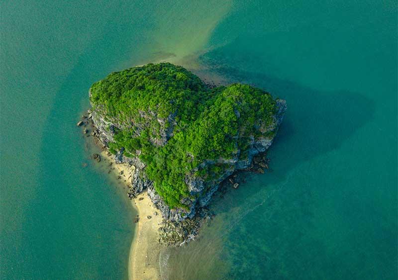 Đảo trái tim Cát Bà